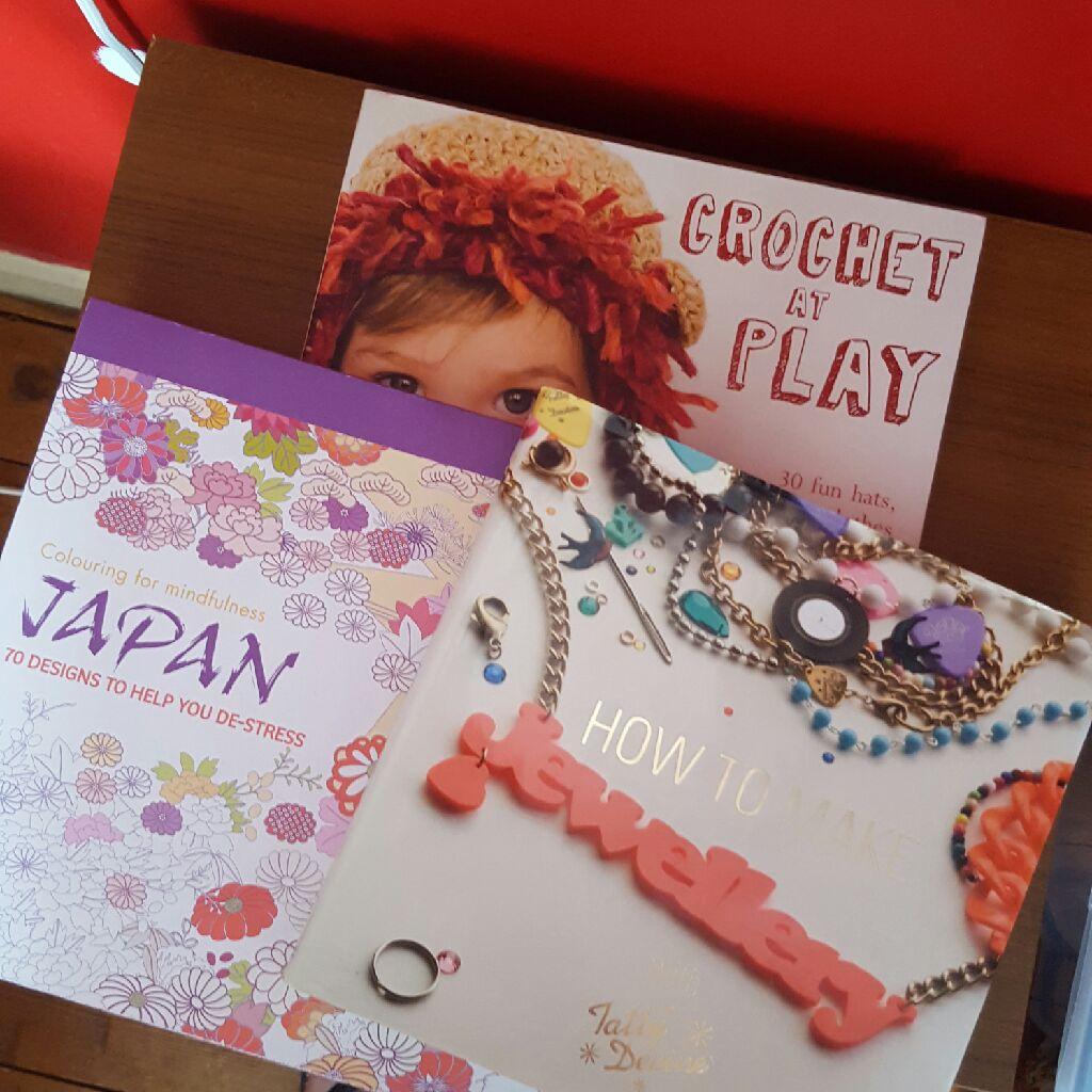 3 x craft / colouring / crochet books