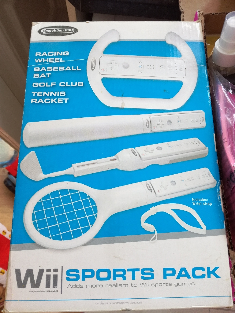 Wii sports pack snd 4 games
