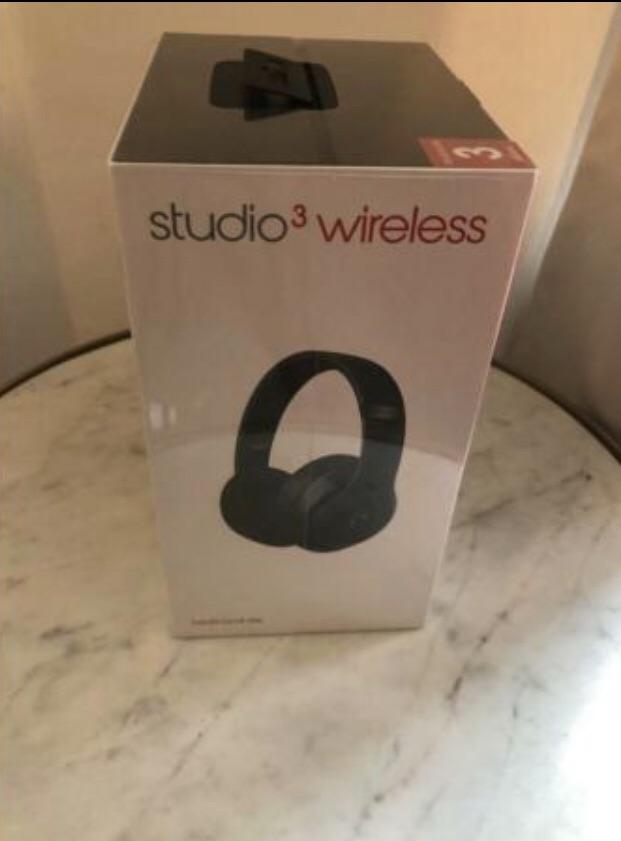 Brand new beats studio 3 wireless Matte Black
