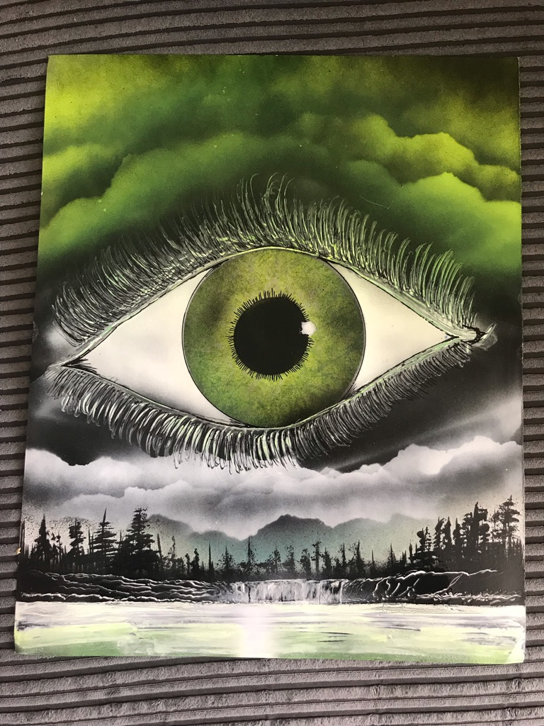 Spray painted eye (green)
