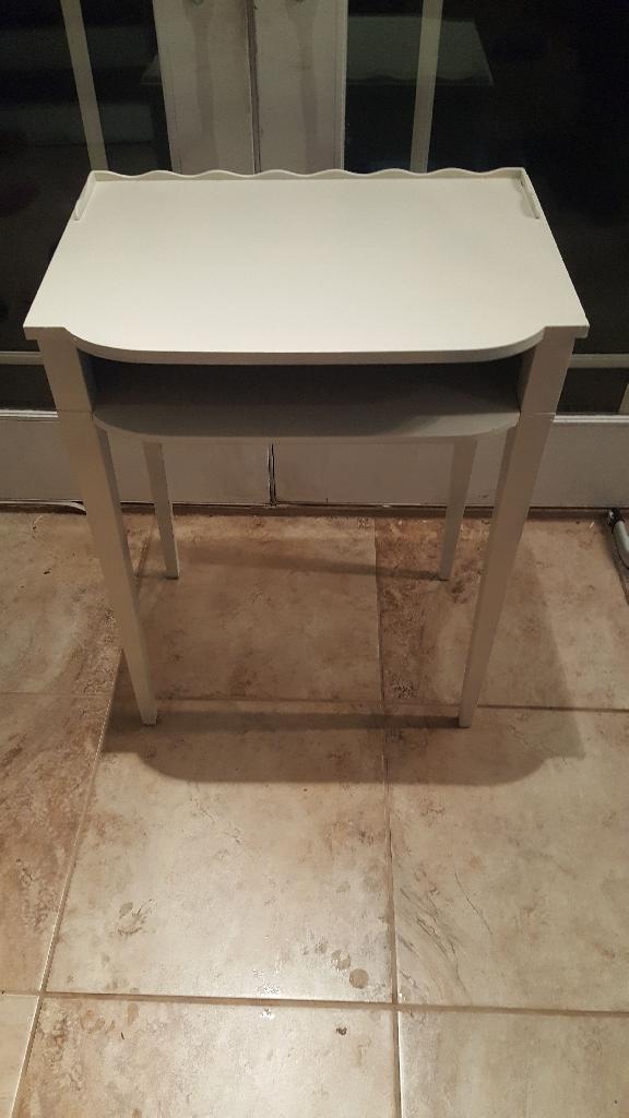Accent table/desk