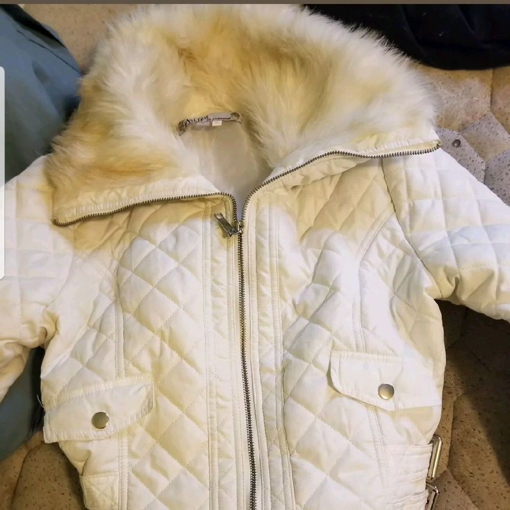 Women's White jacket with fur size Large