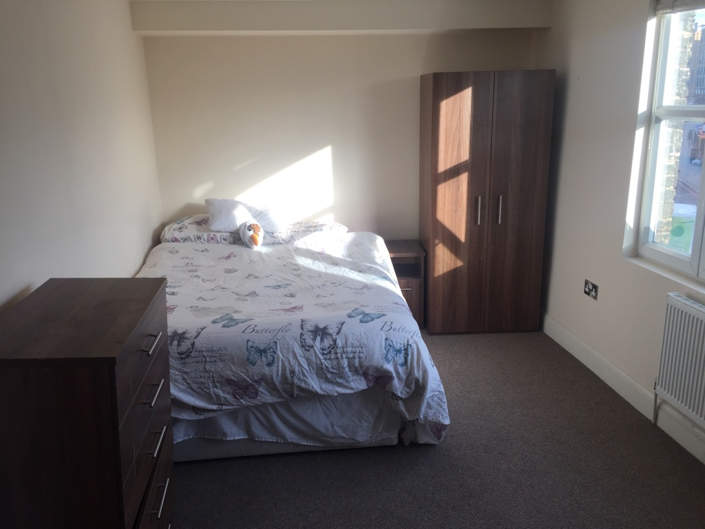 Amazing Spacious Double Room in Greenwich