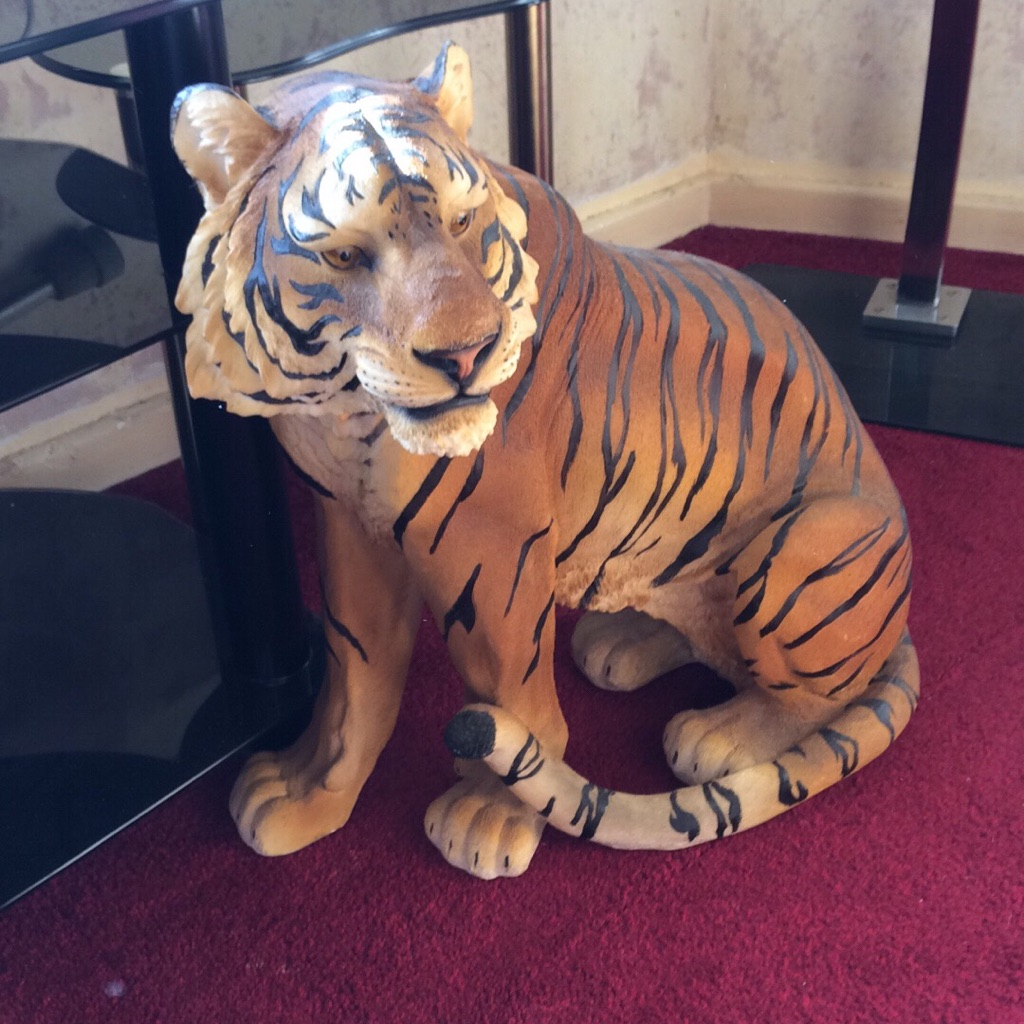 Beautiful Tiger Ornament/ Statue