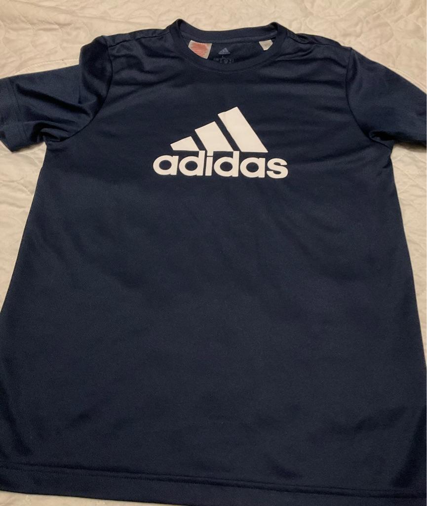 Boys NWOT adidas t shirt 13-14 years
