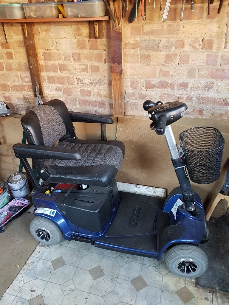 BLUE MOBILITY SCOOTER WITH CHARGER