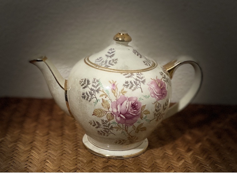 SADLER Vintage Teapot~ Hankook Fine Bone China~England Original Tech~Cup/Saucer Sets ~ floral