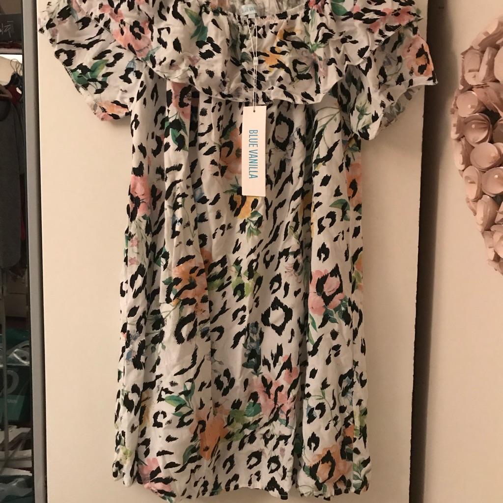 Off shoulder dress New