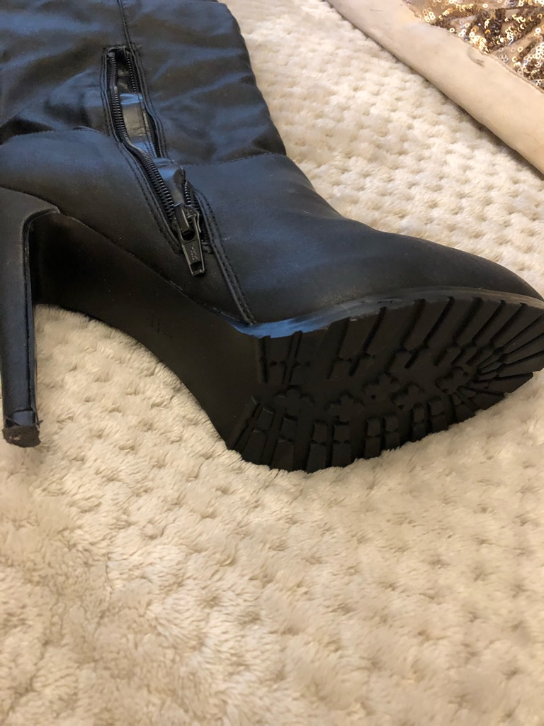 Worn once Size 4 knee high or thigh high boots
