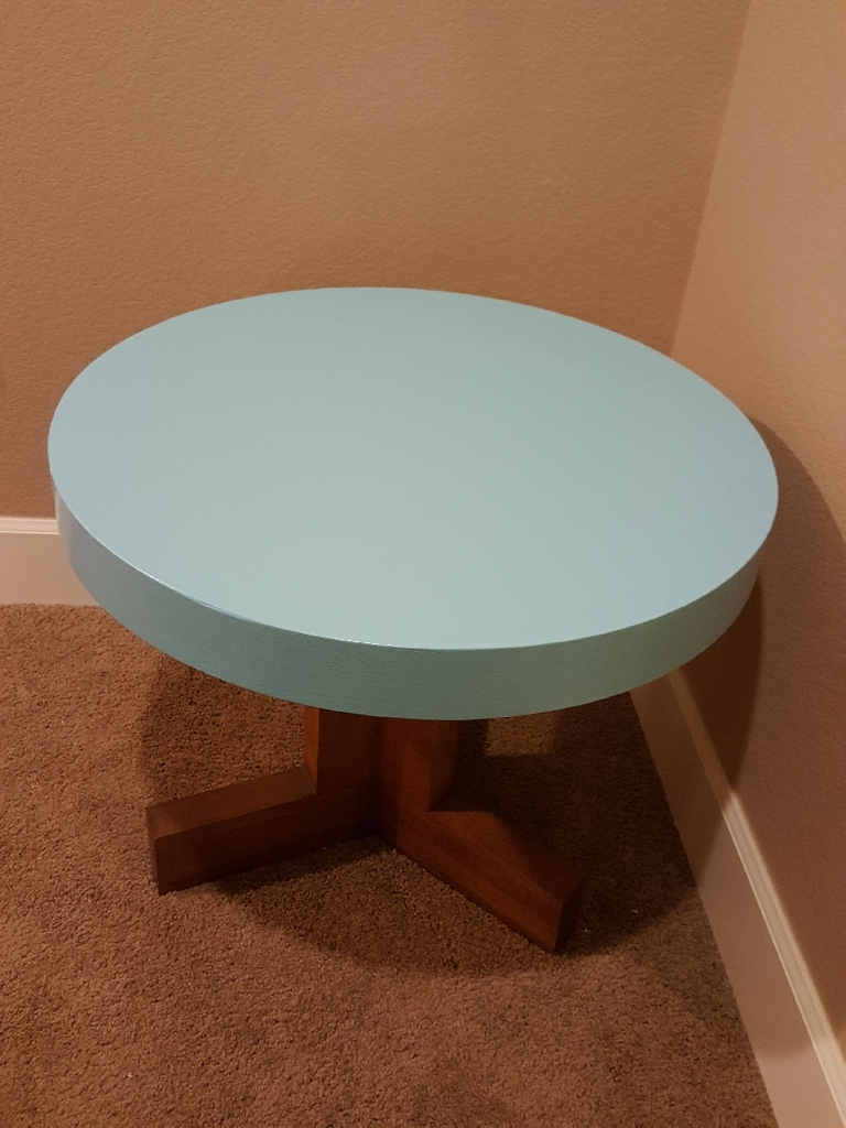 Lane Mid Modern Round Table