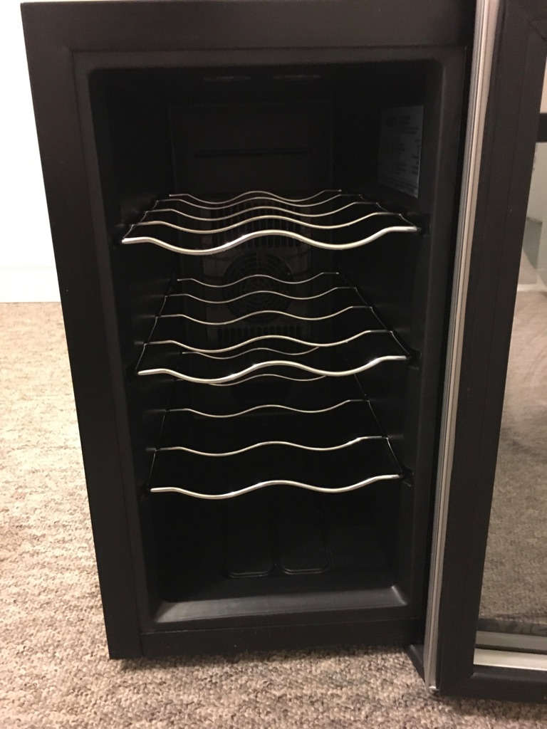 Husky HN11 'Reflections' mini wine cooler, Great Condition