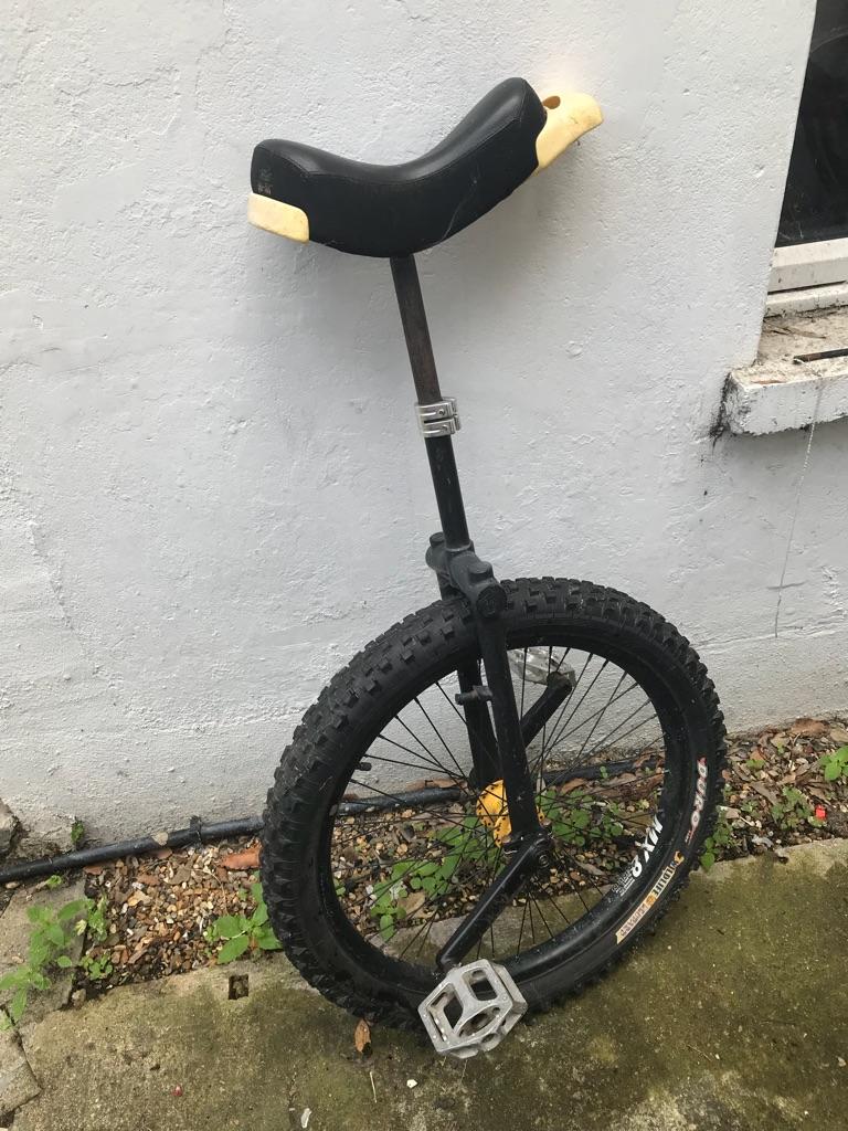 unicycle, monocycle
