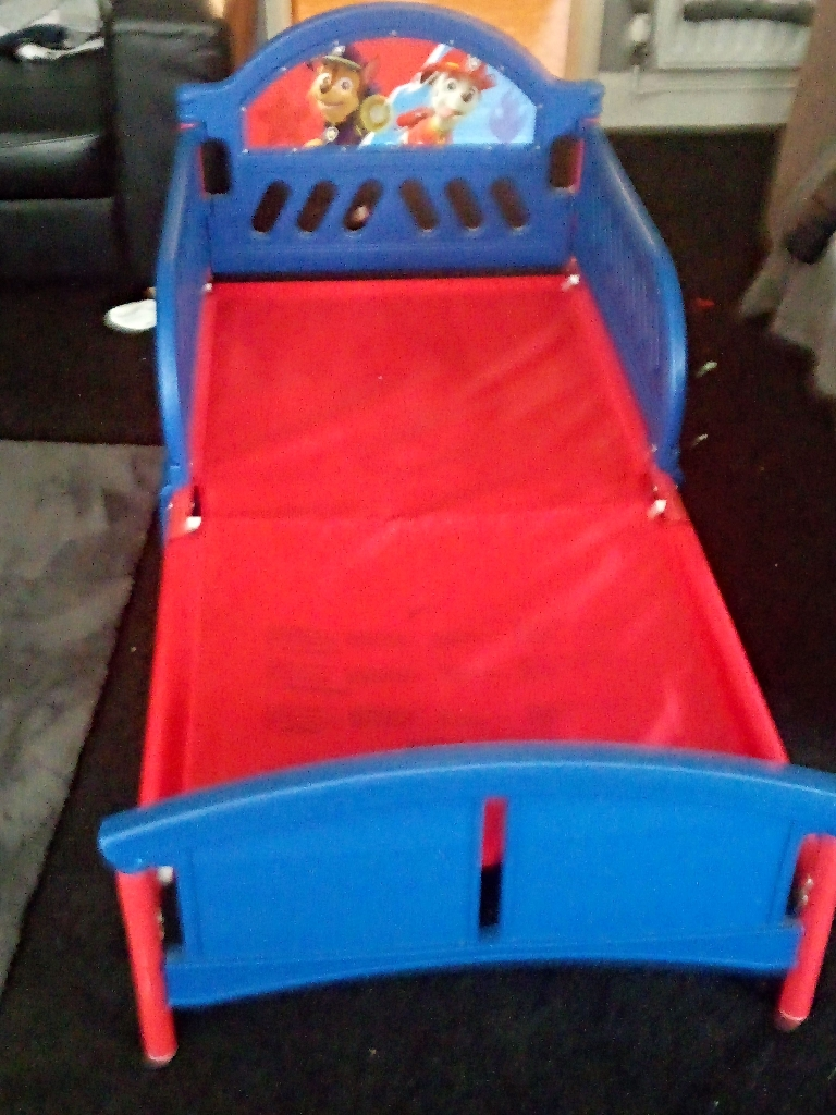 Kids pow potrol bed