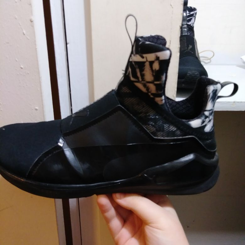 PUMA TRAINERS (WOMENS)