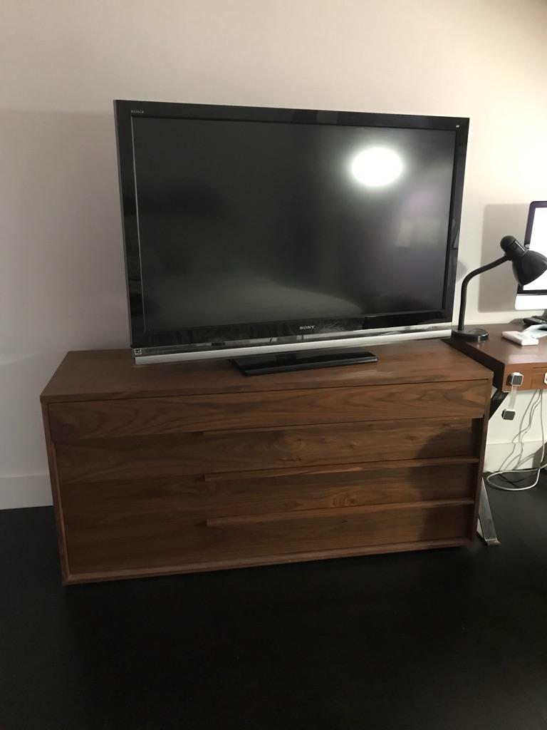 "Sony XBR6 1080P Television KDL-52XBR6 52"" TV"""