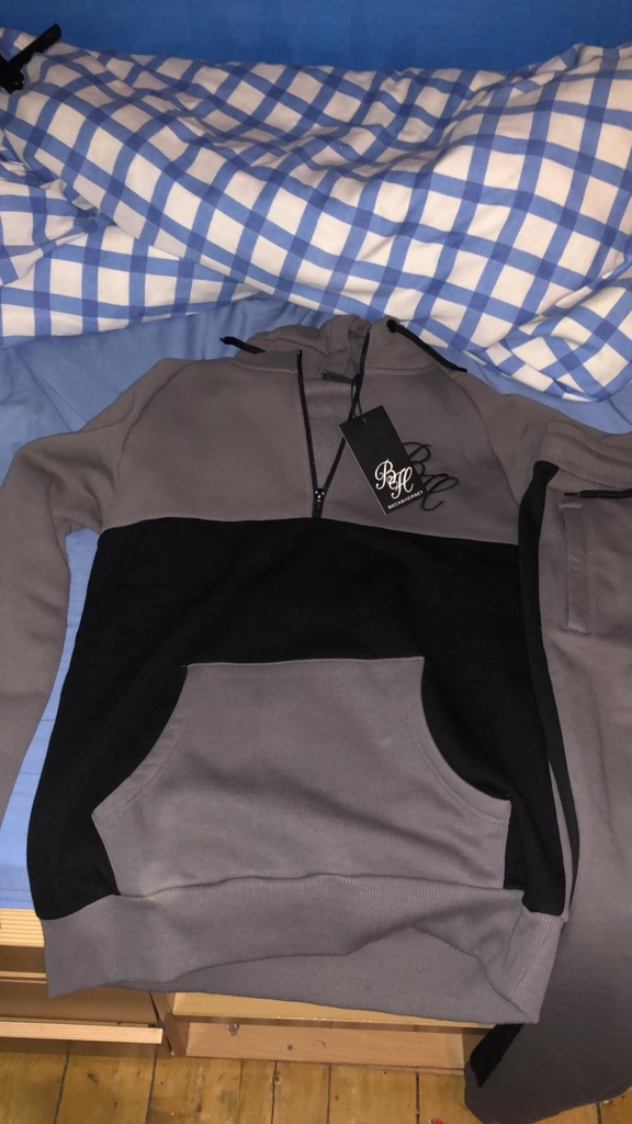 Men's beck and Hersey track suit