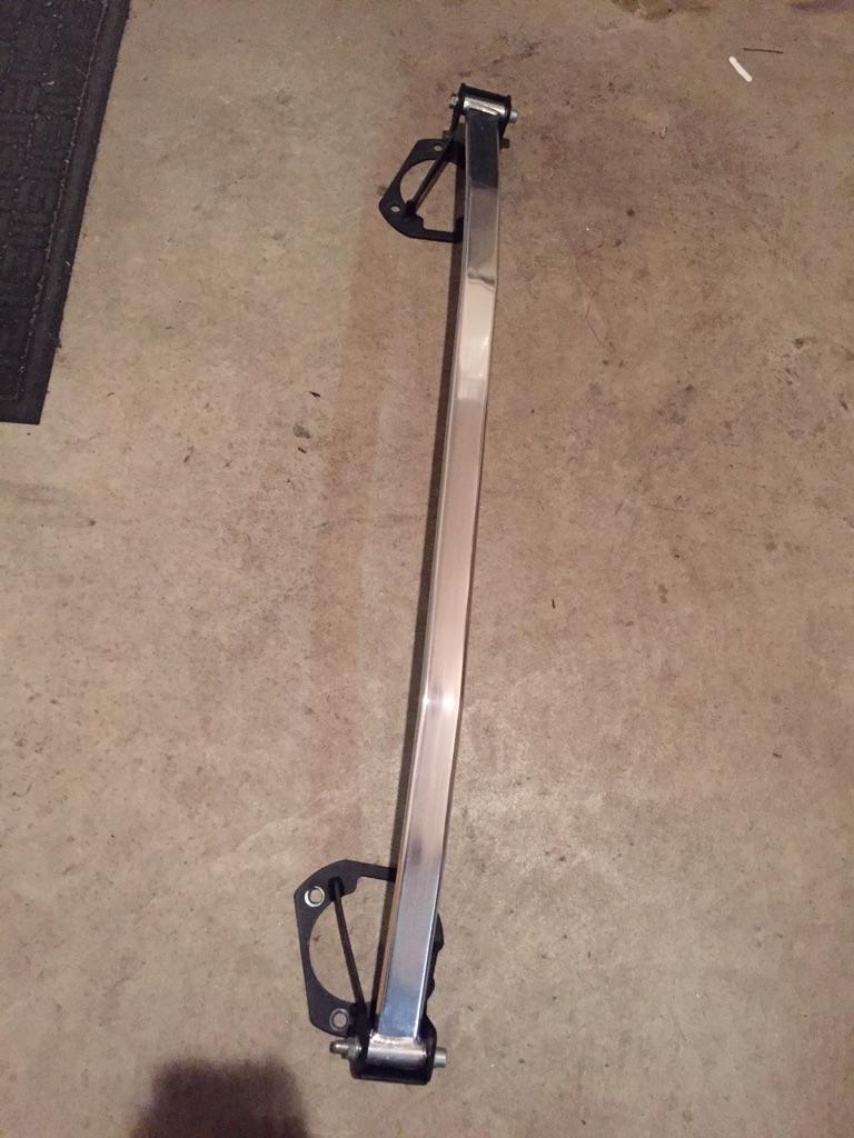 G35 Strut Bar