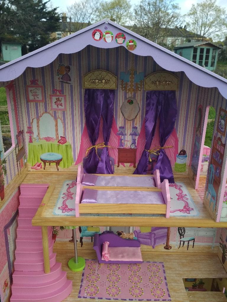 Ava Doll House