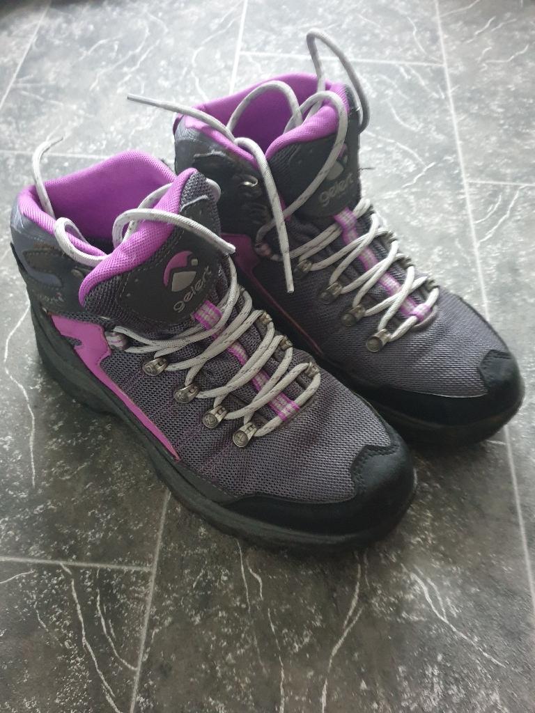 Gelert Walking Boots - Size 4
