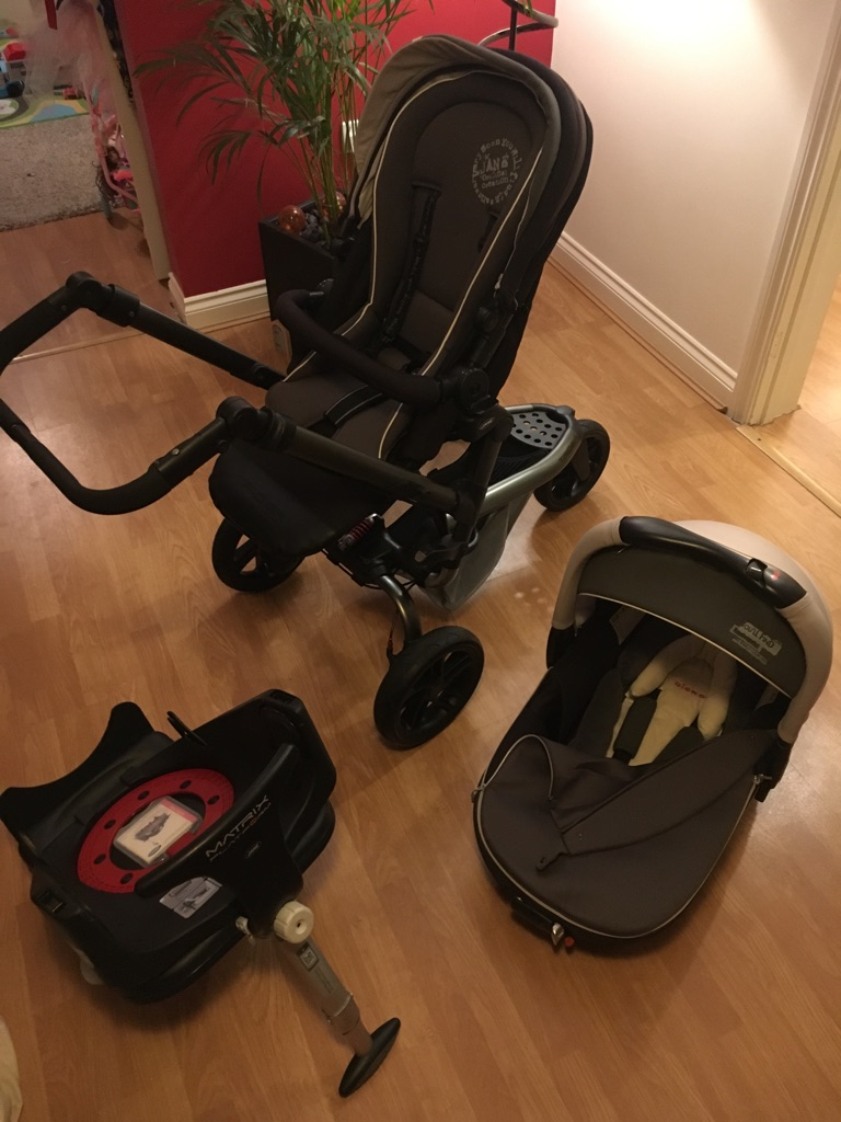 IMMACULATE Jane 3 piece travel system and pushchair