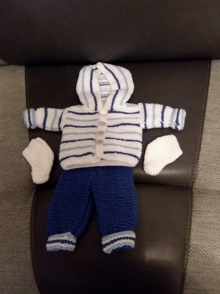 Hand Knitted Dolls Clothes Village