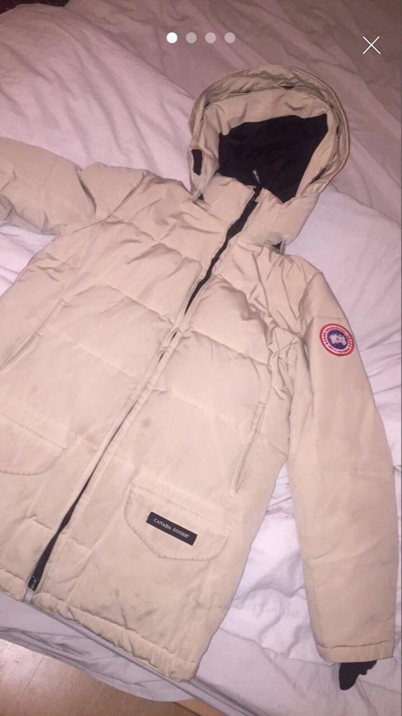 Canada goose jacket medium