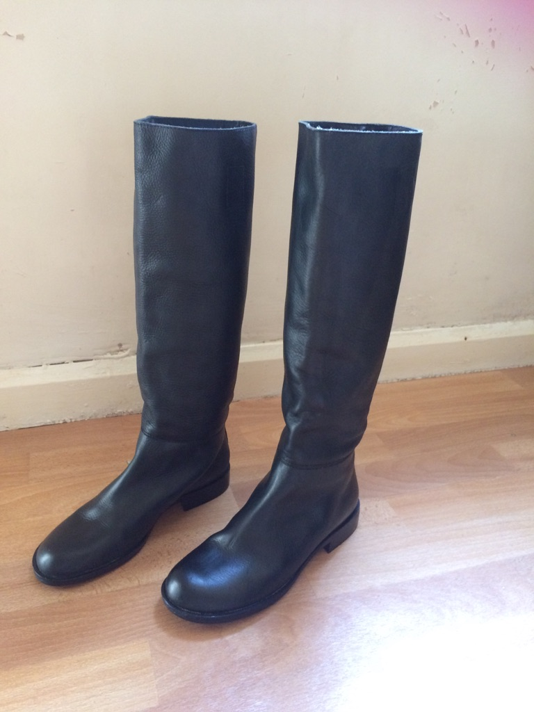 Toast black size 5 riding boots