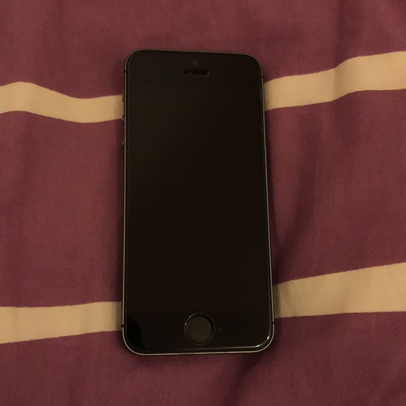 iPhone 5S- barely used and in good condition