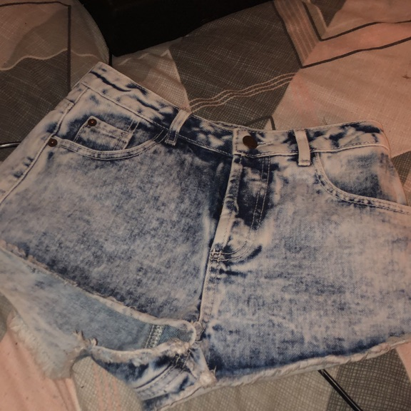 Denim shorts x size 8 x comes up small x