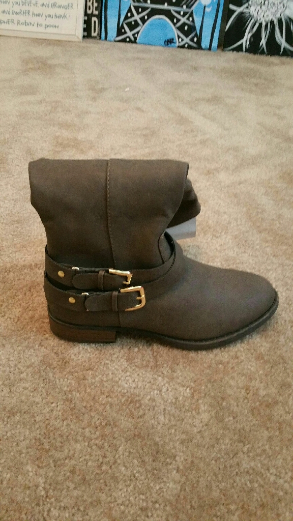 Brand new size 8.5 boots