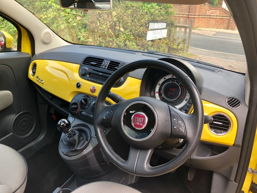 Fiat 500 Lounge 1.2 with panoramic roof