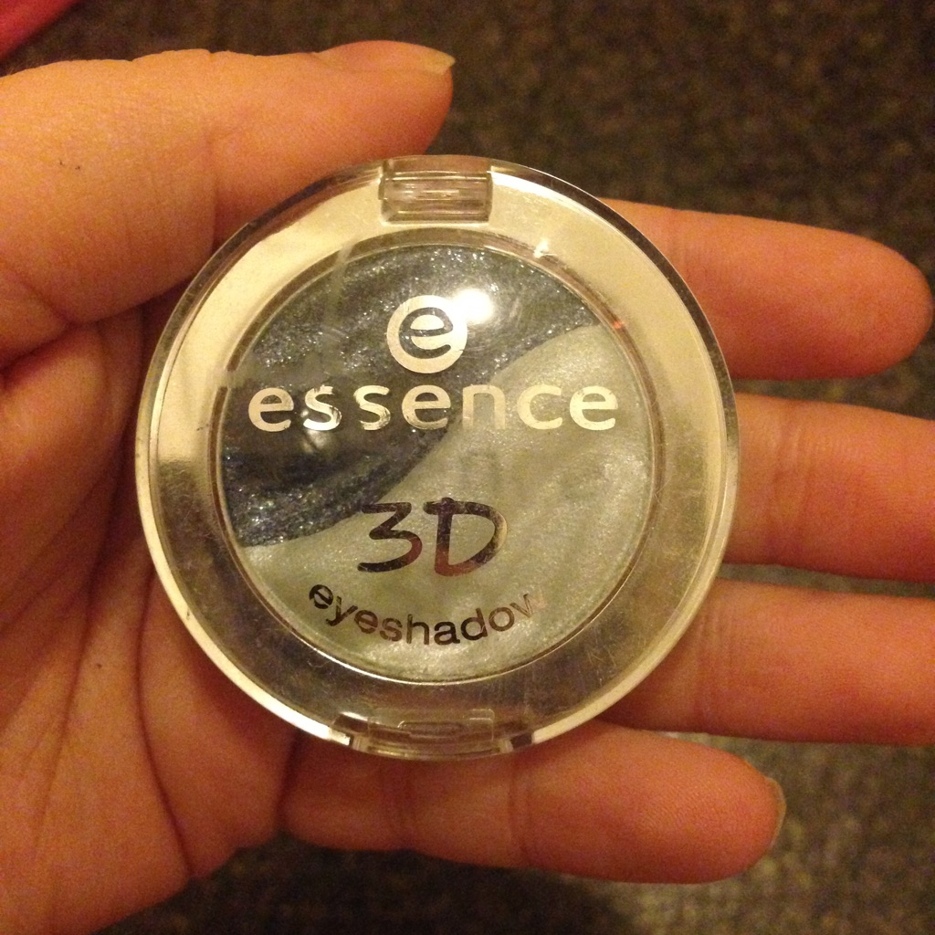 Brand New Essence 3D Eyeshadow, 09 Irresistible Midnight Date