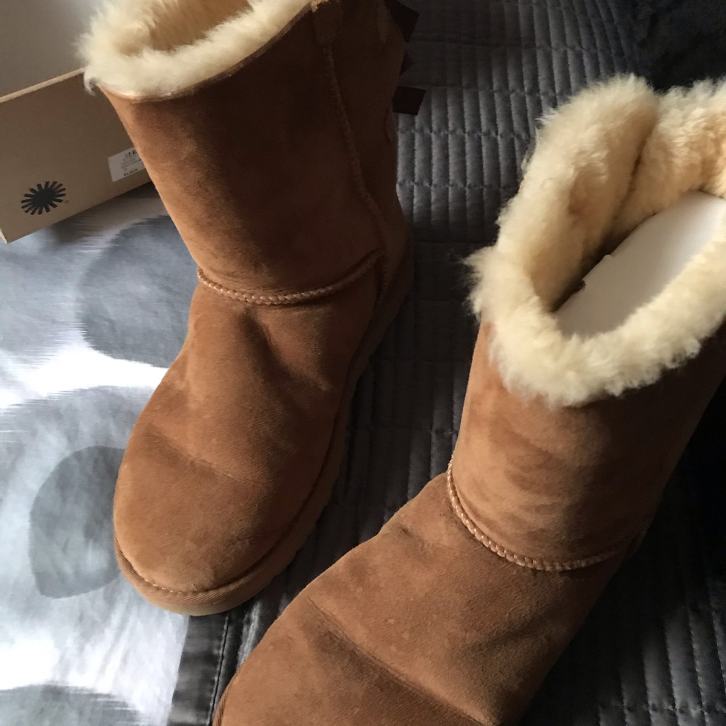 Chestnut bailey bow women's uggs size 7.5