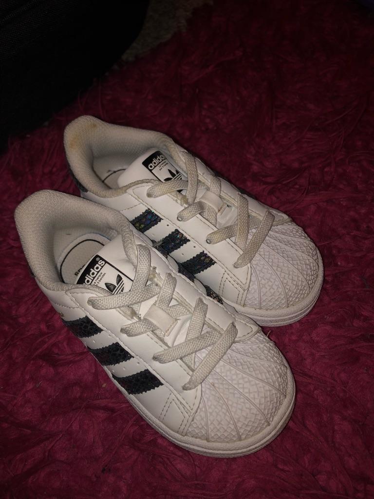 Girls Adidas trainer size 6