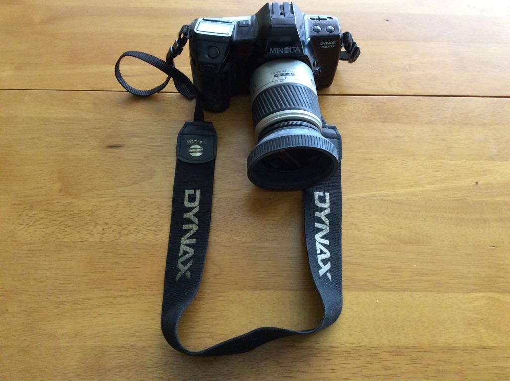 Minolta 35mm Camera & Zoom Lens