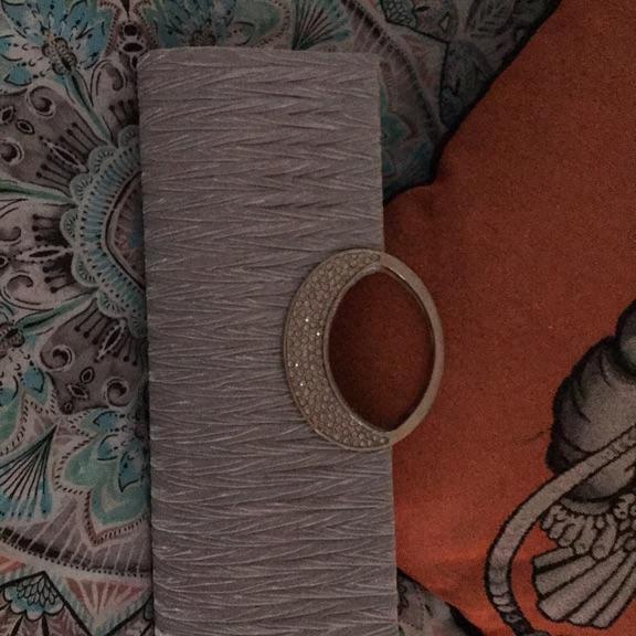 Silver dressy handbag