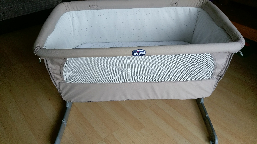 Chicco next to me crib/ cot (dove grey)