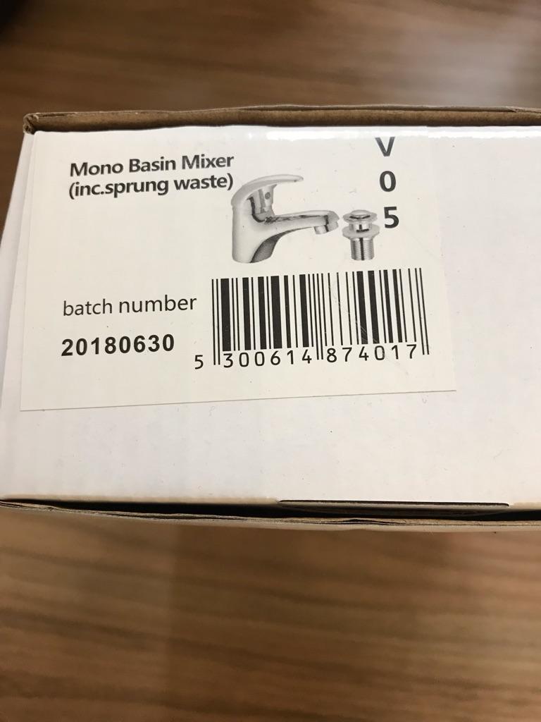 Mono basin mixer tap