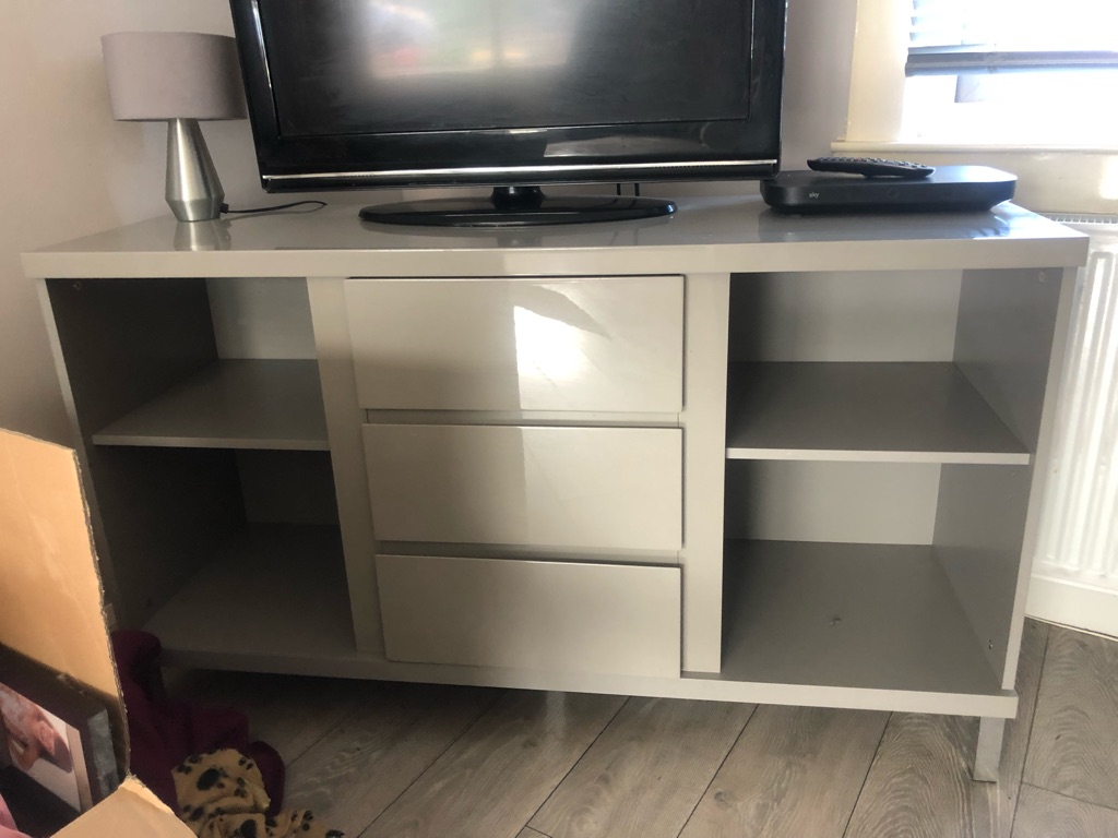 Tv unit and 2 nest of tables the same colour