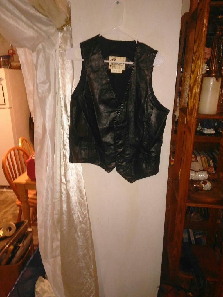 Leather vest size 40
