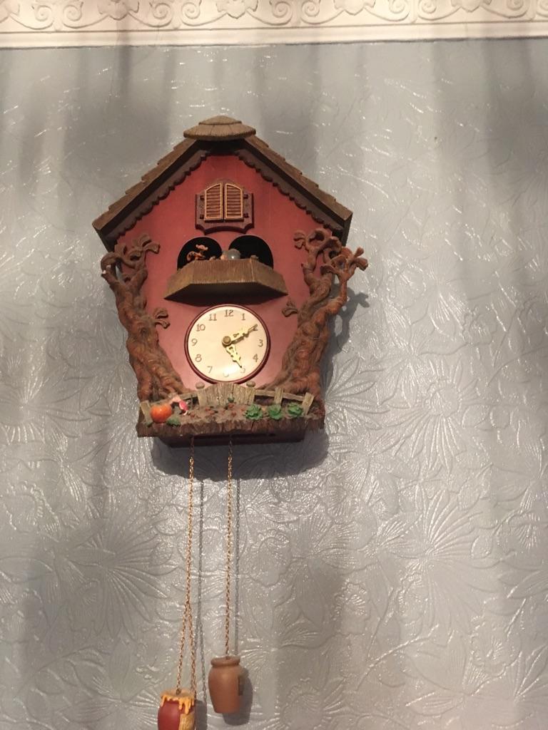 Winnie the Pooh cuckoo clock