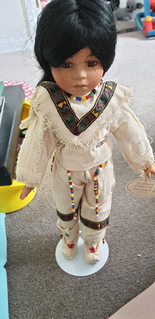 Vintage leonardo porcelain dolls