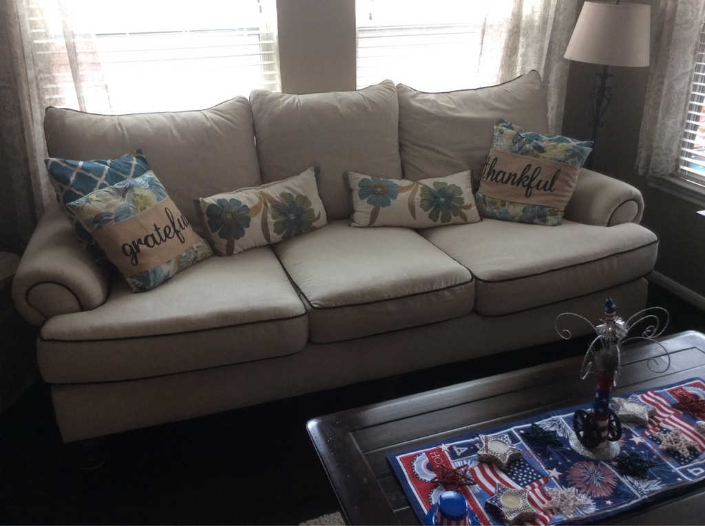Paula Dean living room furniture