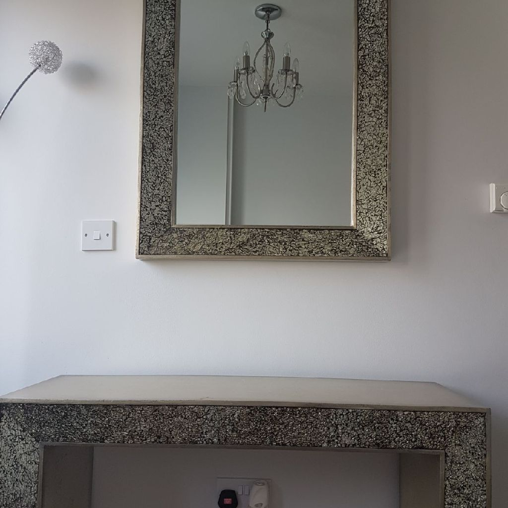 HALL MIRROR AND TABLE IN SLIVER SELLING