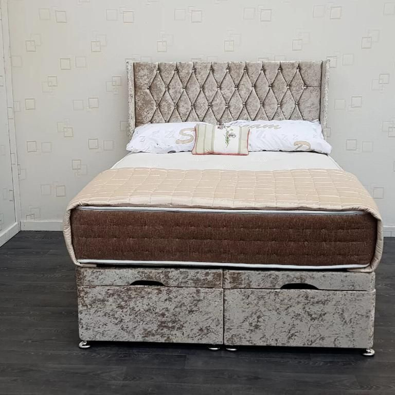 Chesterfield wing back Ottoman storage bed