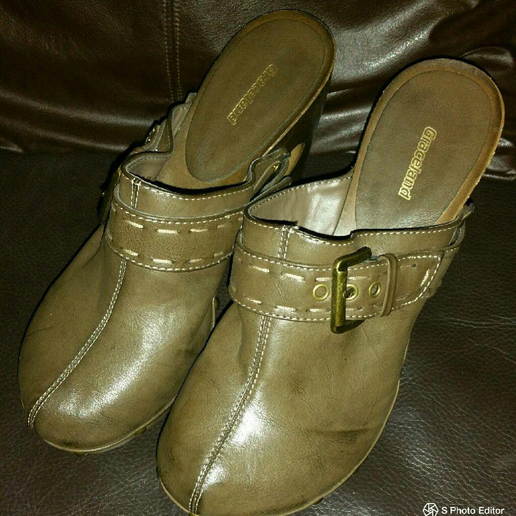 Ladies Wooden Clogs Size 4