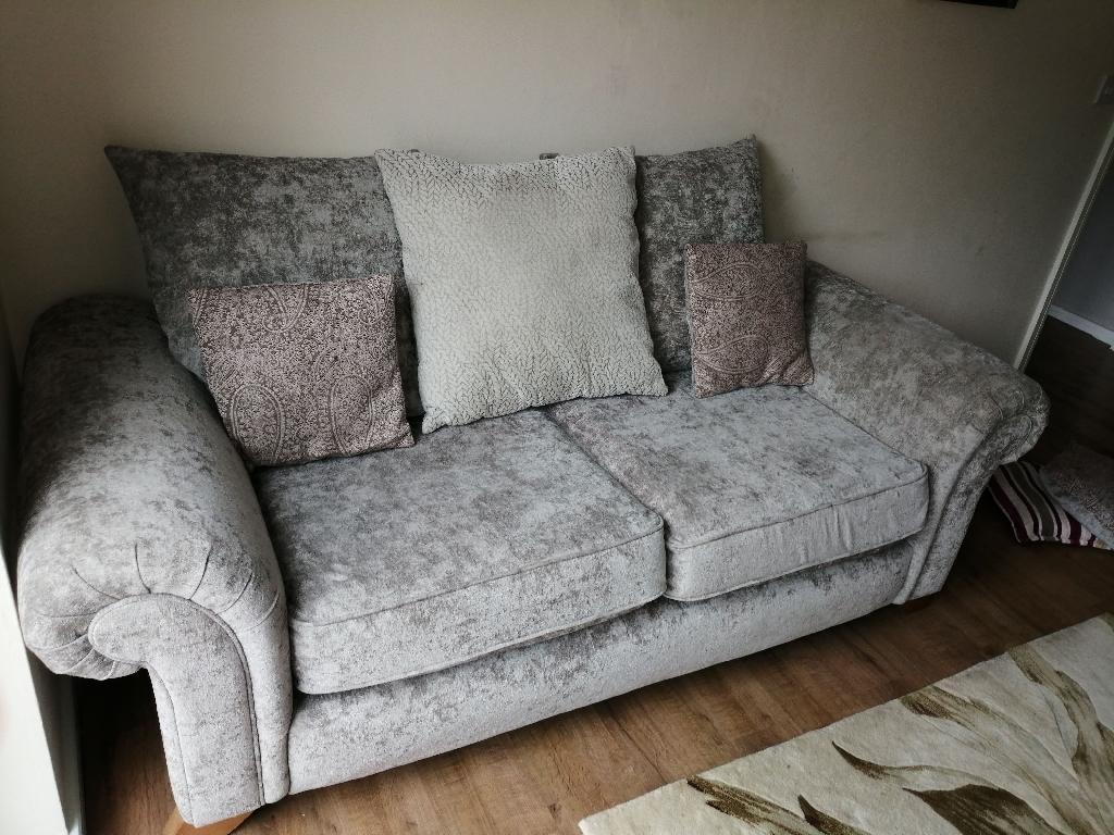 Crush velvet swade effect sofas