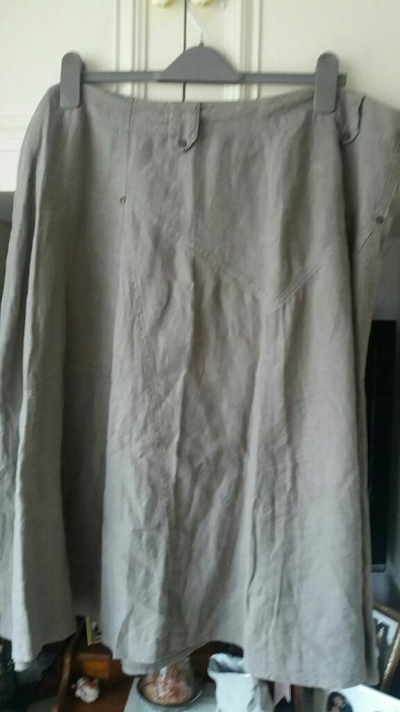 Ladies Khaki skirt size 20