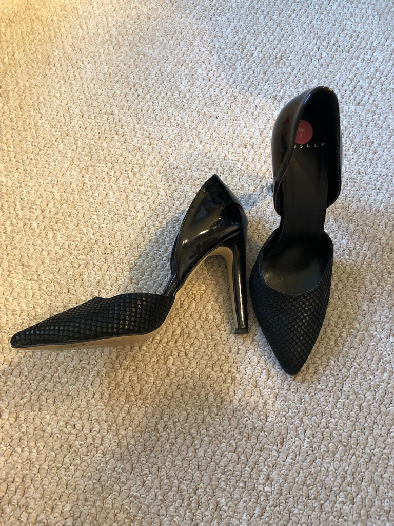 Guess Black Heels size 5/6