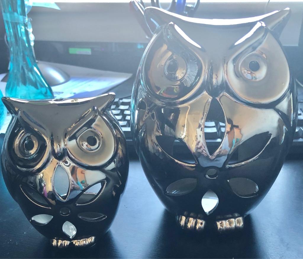 PAIR OF METAL OWL TEA LIGHT HOLDERS